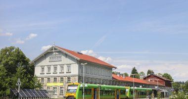 """Grenzbahnhof Bayer. Eisenstein wird als """"Bahnhof des Jahres 2017"""" ausgezeichnet"""